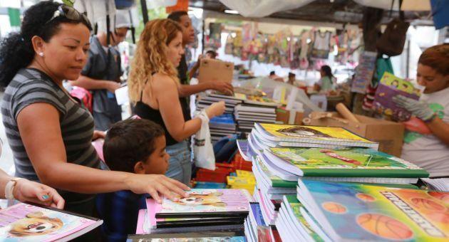 Impagable! Hasta 561.98395 bolívares cuesta comprar listas escolares