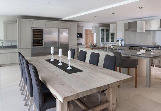 Striking kitchen by Mowlem & Co, designed by Jane Stewart | Homes & Gardens | http://www.hglivingbeautifully.com/2013/01/22/2374/
