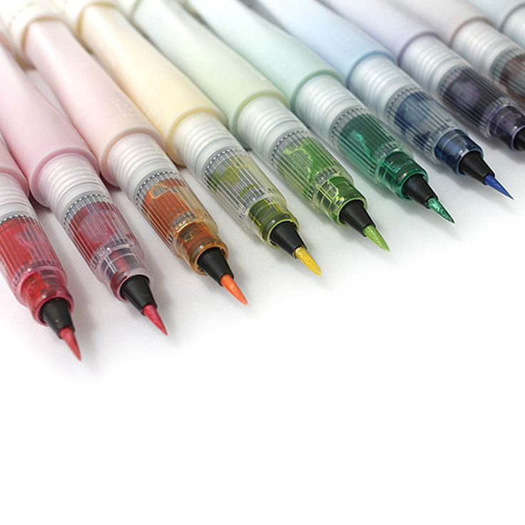 The Ultimate Wink of Stella Brush Set consists of 16 glitter brush pens. A definite must have for every Wink-o-holic. Set contains: Clear,Black,Gold,Silver,Red,Dark Green,White,Brown,Violet,Blue,Green,Light Green,Orange,Yellow,Pink,Dark Pink.