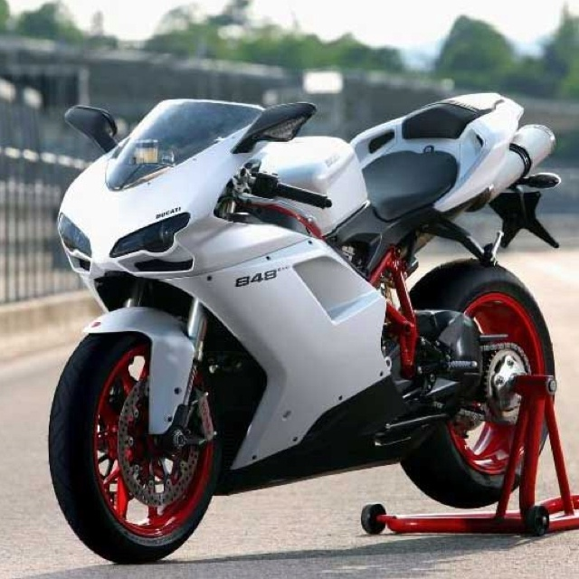 Ducati 848 EVO... because flying over the Talmage bridge on the back of this at 155 miles an hour will never get old