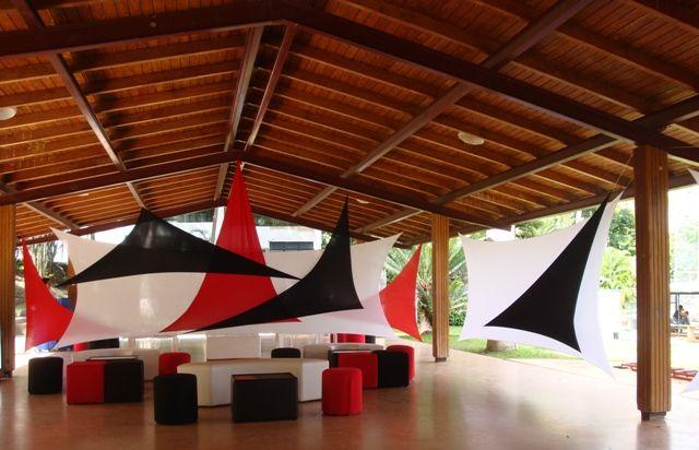 Ambientacion de fiestas laura ramirez lbumes web de for Decoracion con telas
