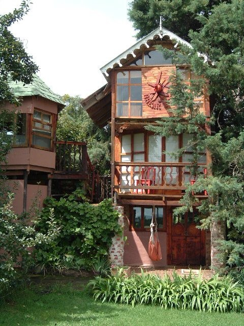 Tree House accomodation - South Africa