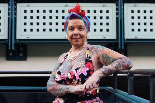 10 fotos de ancianos tatuados | The Idealist - The Idealist