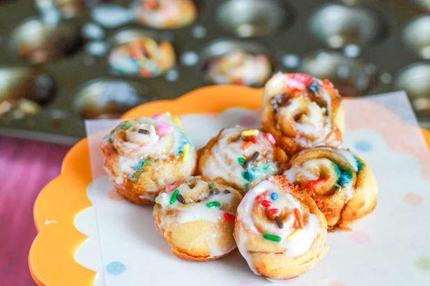 Cake Batter Cinnamon Rolls. - Sallys Baking Addiction