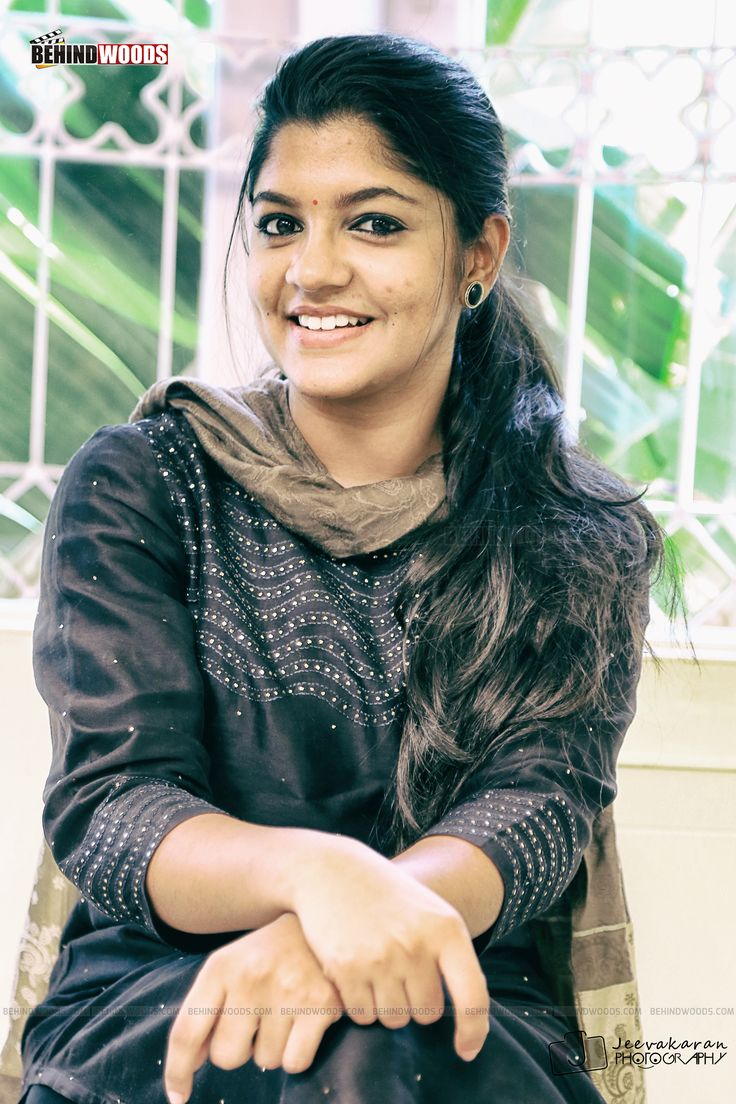 Aparna Balamurali (aka) Aparna Balamurali HD photos