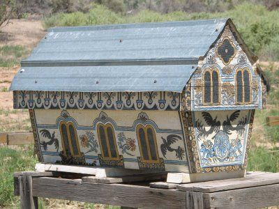 Painted Hive: Marsha Mason has a gorgeous, organic farm next to the Rio Chama. She makes all kinds of organic herbal products and sells them online. She also opens up her home once a year during the Abiquiu Farm Tour. In addition to her beautiful gardens, she also keeps bees.