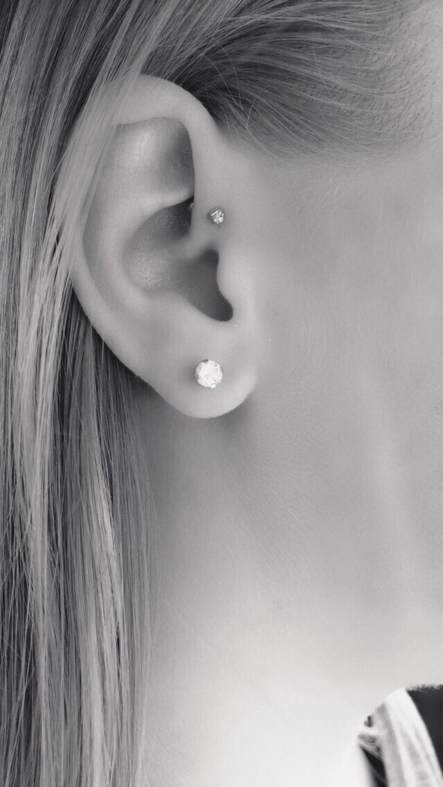 Forward helix piercing                                                       …
