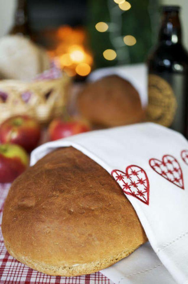 Ett vörtbröd med smak av äpple är en rolig version på julklassikern.