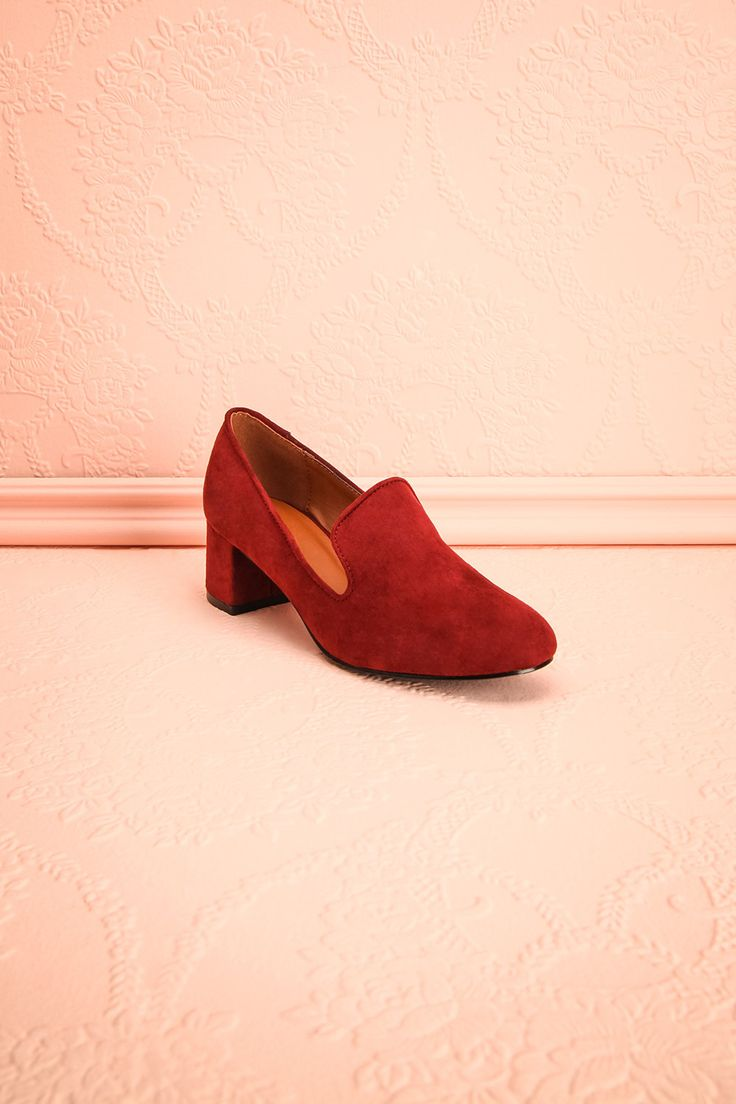 Livingston Framboise - Burgundy faux suede loafer