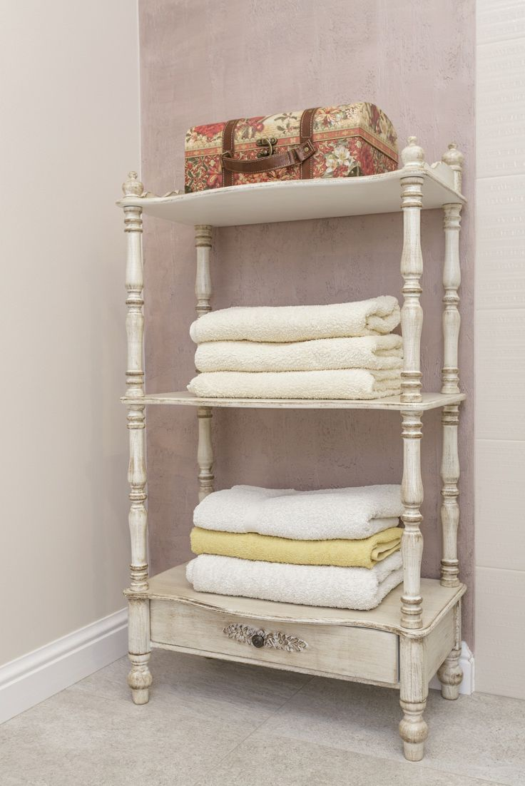 In need of some #storage space for towels? #Upcycle an outdated wardrobe in your unique style