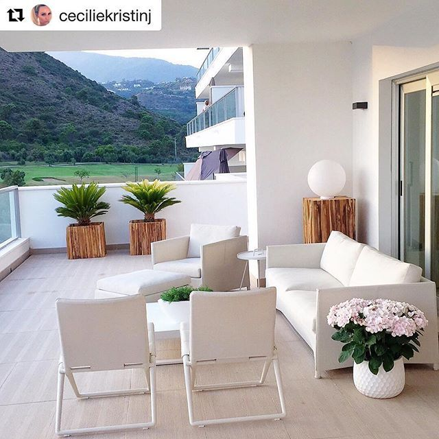 DIAMOND & TRAVELLER on this very nice balcony in Marbella, Spain・Repost @ceciliekristinj・#canelinemoments #caneline  #diamond #traveller #balcony #outdoorliving #yourlifeyourchoice #lifemadecomfortable