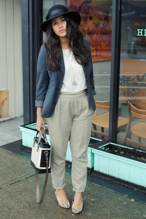 Love this look featuring Aritzia pants!
