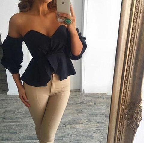 Bella blusa strapless en forma de corazón y mangas campesinas bonbachas