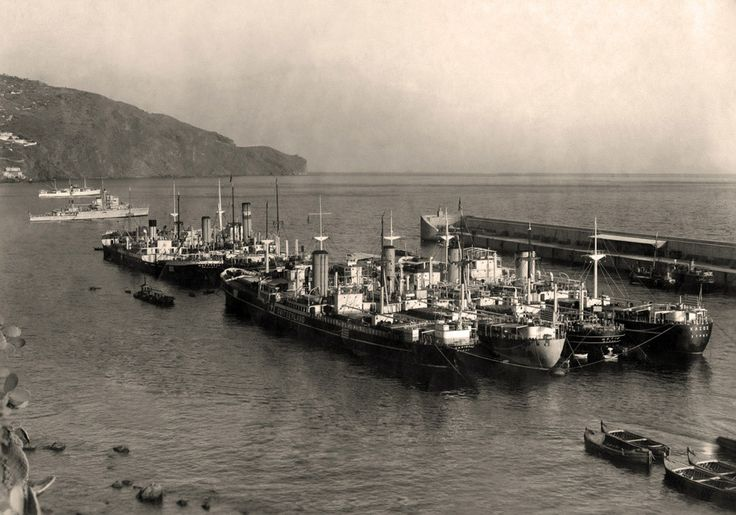 Ελληνικά ατμόπλοια ναυλωμένα στην κυβέρνηση της Ελβετίας στη διάρκεια του Πολέμου. / Greek ships chartered to the Swiss government during WWII.