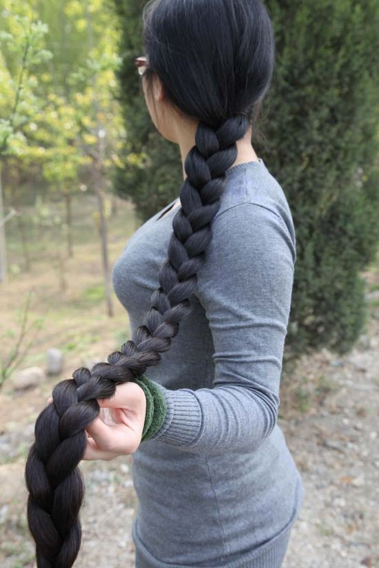 This is such an amazingly healthy, thick, beautiful long braid!