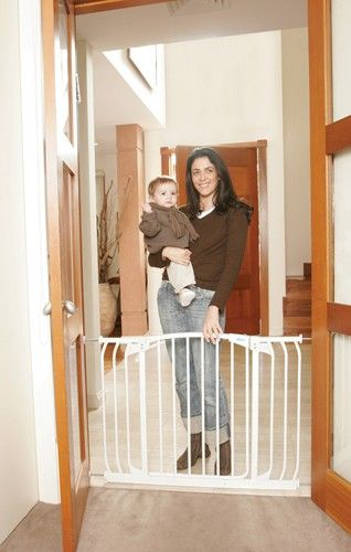 Baby Bunting sale $84.15 Dreambaby hallway gate 97-108cm wide It can expand up to 63.5