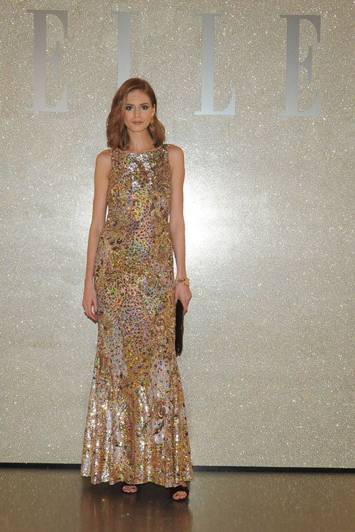La ELLE Style Awards, Veronica Pascu a purtat o spectaculoasa rochie Blumarine, decorata cu margele si paiete multicolore. Vezi rochia aici: http://www.dressbox.ro/rochii/blumarine-bl10.html