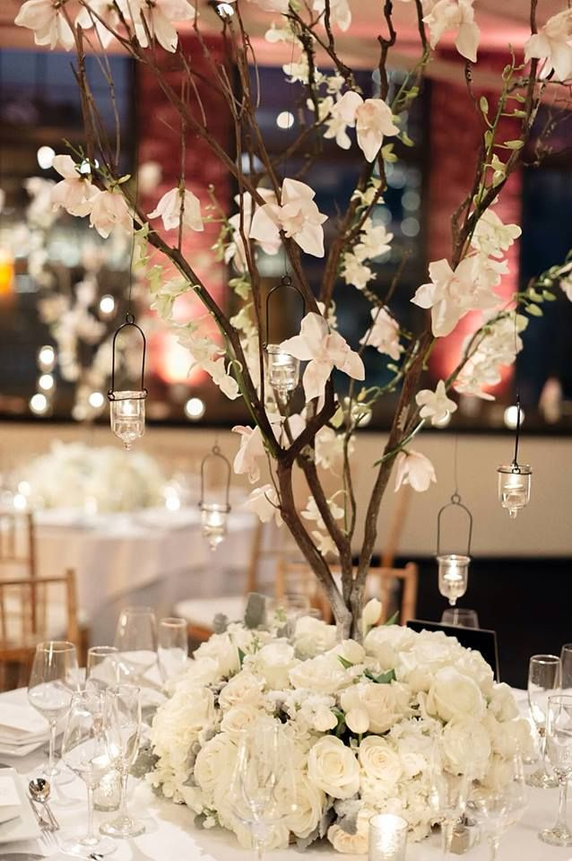 Elaborate Wedding Flower Inspiration: http://www.modwedding.com/2014/07/05/elaborate-wedding-flower-inspiration/ Featured Floral Design: Tantawan Bloom
