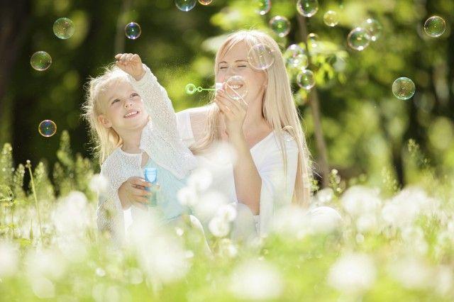 Come fare le bolle di sapone in casa: il divertimento è assicurato per grandi e piccini