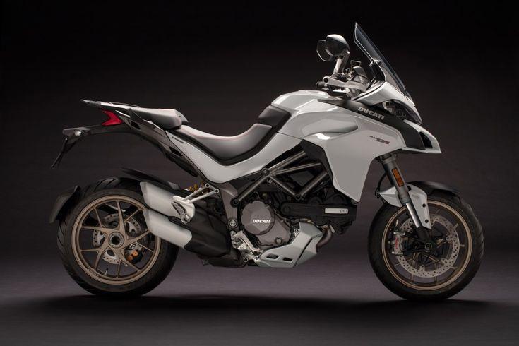 Ducati renueva su mítica Multistrada con varias versiones, todas ellas con una misma base, que supera con creces al modelo anterior, sobre todo en el pack electrónico y en los intervalos de mantenimiento.