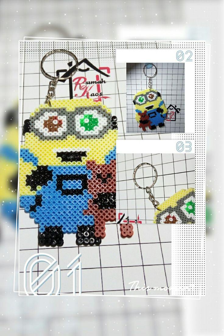Minion hama beads Minion, Gantungan kunci, Gantungan