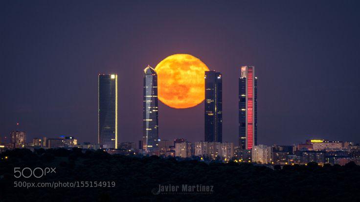 Luna llena 22 Mayo 2016 entre las 4Torres by JavierMartinezMoran