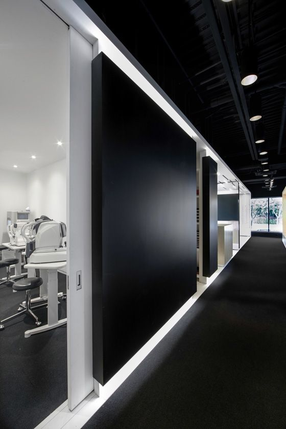 L'aire Visuelle Optométristes - Opticiens by La Shed Architecture, photo: Maxime Brouillet