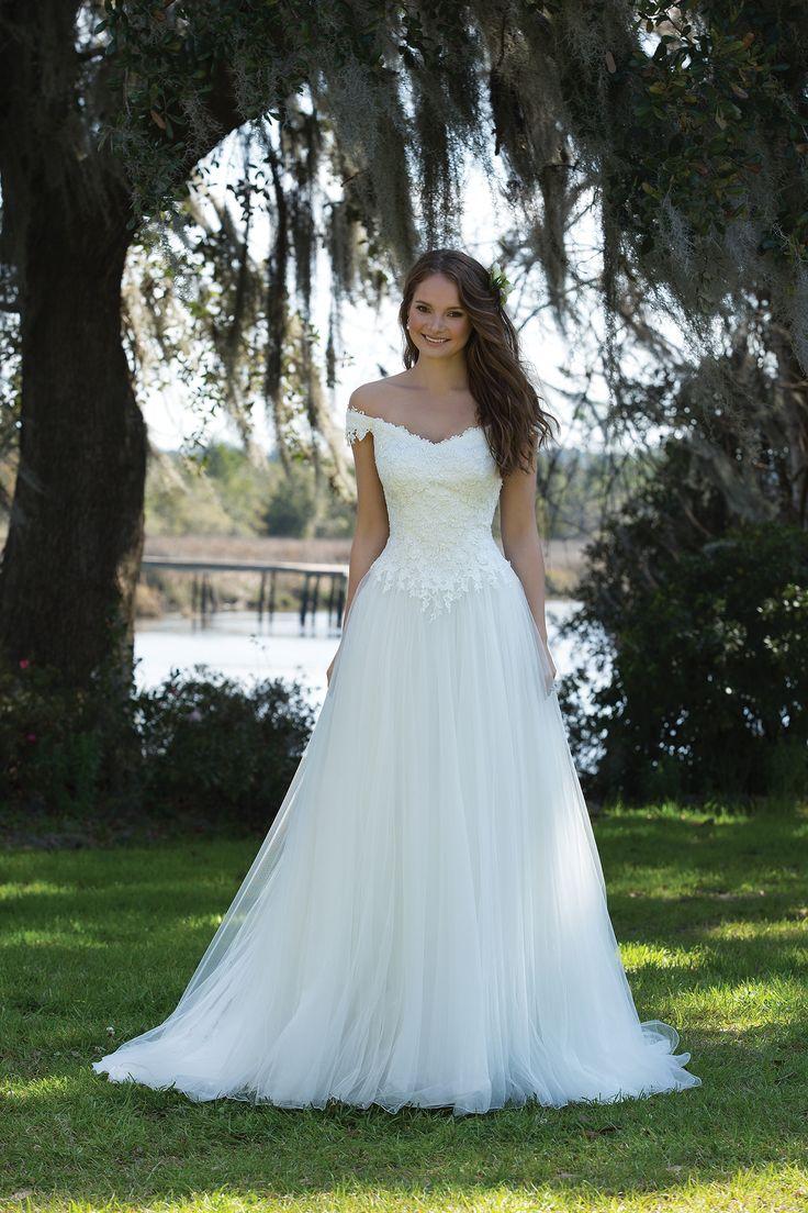 16 best wedding dress images on Pinterest | Wedding frocks ...