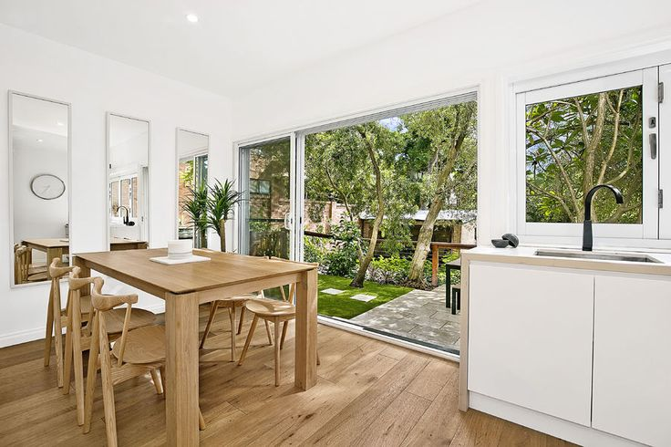 1/324 Arden St. Coogee 3 Bed 2 Bath 1 Car  http://www.belleproperty.com/buying/NSW/Eastern-Suburbs/Coogee/Apartment/40P1767-1-324-arden-street-coogee-nsw-2034
