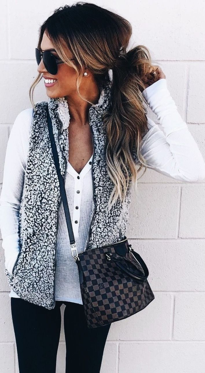 5d2d6f2c219 Take a look at these athleisure outfits for everyday wear!