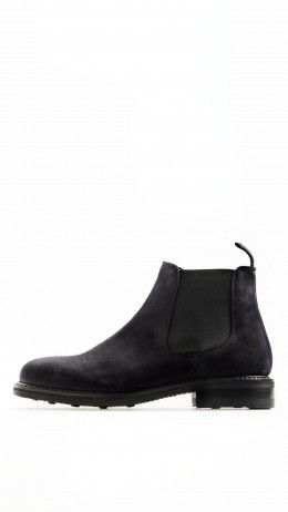 Suede Chelsea boots in blue