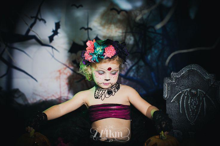 Sesión de fotos infantil de halloween en estudio en barcelona, sesión de fotos halloween, Fotógrafo de niños en Barcelona, photography, 274km, Gala Martinez, Hospitalet, Studio, estudi, estudio, nens, kids, children,