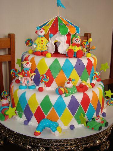 Bolo circo by Margot- pão de mel, via Flickr