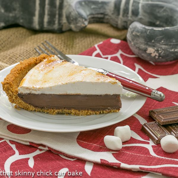 mores Pie | Graham cracker crust, delectable chocolate filling and a ...