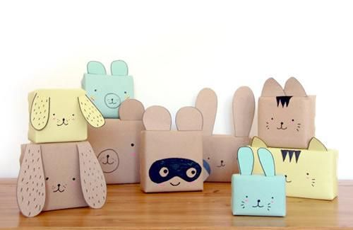 Empaquetado de regalos para niños ya que tienen la forma de un animal , es bastante original y economico. IV