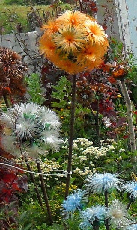 одуванчик из пластиковых бутылок,мастер класс,шар из пластиковой бутылки,мк,поделки из отходных материалов,украшение для сада и огорода,цветы из пластиковых бутылок,пошаговое фото,обустройство приусадебного участка