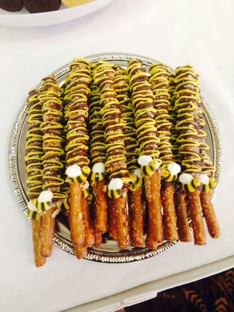 Turtle pretzels with yellow and chocolate details