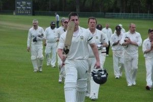 Morne Bauer leads #Cork County to a fabulous run chase at The Hills. #cricket