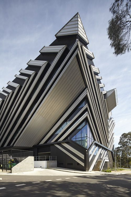 New Horizons by Lyons Architecture Monash University's new platform for future manufacturing research, teaching and commercialisation.