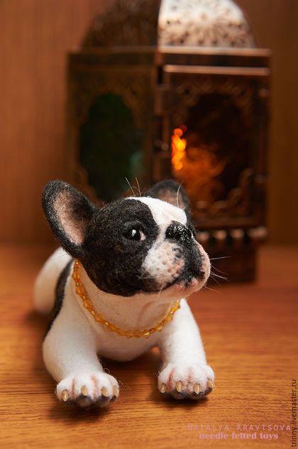 Купить или заказать Французский бульдог Коко в интернет-магазине на Ярмарке Мастеров. Валяная портретная игрушка из натуральной овечьей шерсти собачка породы французский бульдог, зовут ее Коко.