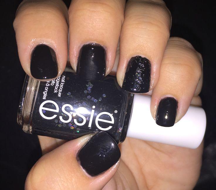licorice and belugaria #notd #essie #iloveessie #iheartessie #belugaria #licorice #elegant #black #glitter #nails