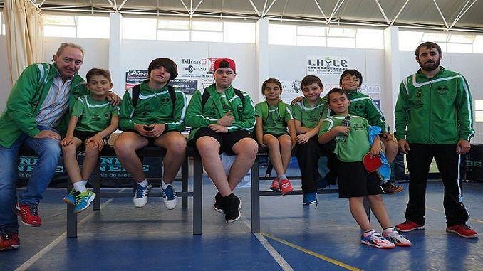 Siete jugadores tenia clasificados el TM Almaraz para el TOP 8 Escolar que se ha celebrado en Zalamea de la Serena. Los almaraceños tuvieron una gran actuación que finalmente se tradujo en cuatro medallas, un oro, dos platas y un bronce.