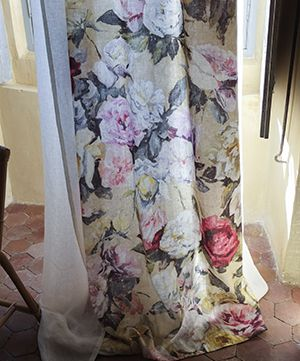 Designers Guild Octavia - Extraordinarily voluptuous digitally printed pure linen. Its fabulous hand-painted displays full of romance and rediscovered glory, rejoice in natural beauty harmonising to the tones of the natural linen.