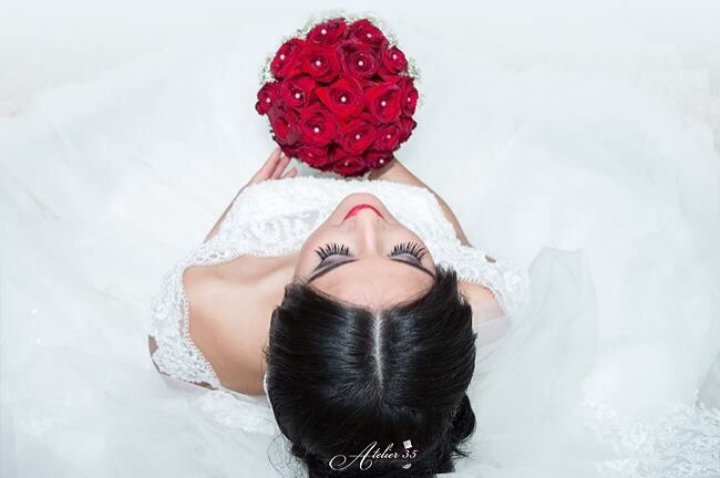 My beautiful bride from my latest wedding reportage | ©Atelier35 www.facebook.com/FotoAtelier35 #engagement #shooting #couple #live #laugh #love #wedding #photographer #atelier35 #facebook #weddingday #wedding #bride #flowers #roses