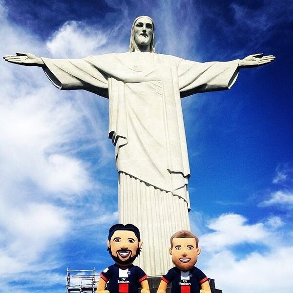 Lucas et Pastore au #Brésil ! #CoupeDuMonde #CDM2014 #WorldCup #Poupluches - @poupluche_fans - 29 juin 2014