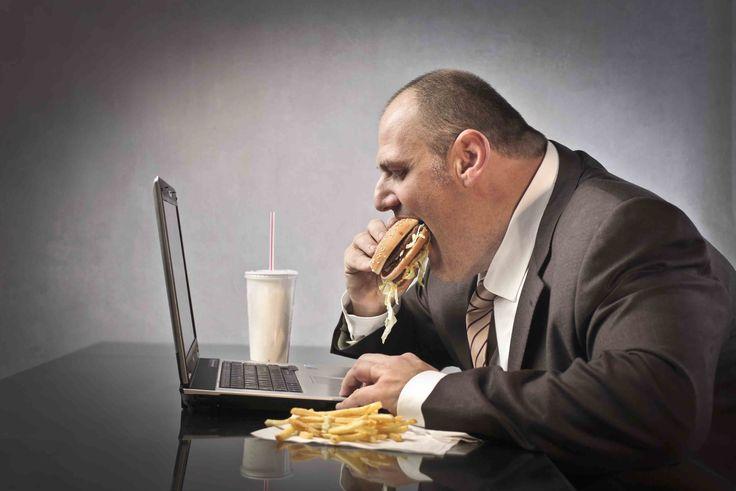 Aşırı Yeme Bozukluğu Nedir? Zararları nedir? Tedavisi var mı? #AşırıYeme, #Beslenme, #Yeme, #YemeBozukluğu, #Yemek https://www.hatici.com/asiri-yeme-bozuklugu-nedir-zararlari-nedir-tedavisi-var-mi  Aşırı Yeme Bozukluğu Nedir? Zararları nedir? Tedavisi var mı?; Bu yeme bozukluğunda insanlar sıklıkla aynı anda çok büyük miktarlarda yiyecek tüketirler. Bu soruna sahip olanların kendi başl