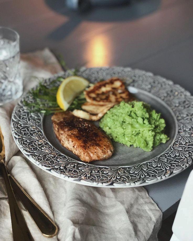Stekt lax, halloumi & grönt mojs! (sojabönor, broccoli, salt och en vitlöksklyfta) #lunchtips
