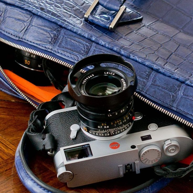 #leicam10 with @tieherupstraps #leather #strap and @matteoperin23 #croc #camerabag 35mm #summilux #FLE #thorstenovergaard