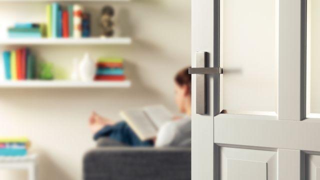 Deurklink monteren https://www.gamma.be/nl/doe-het-zelf/deur-of-raam-plaatsen/deurklink-monteren