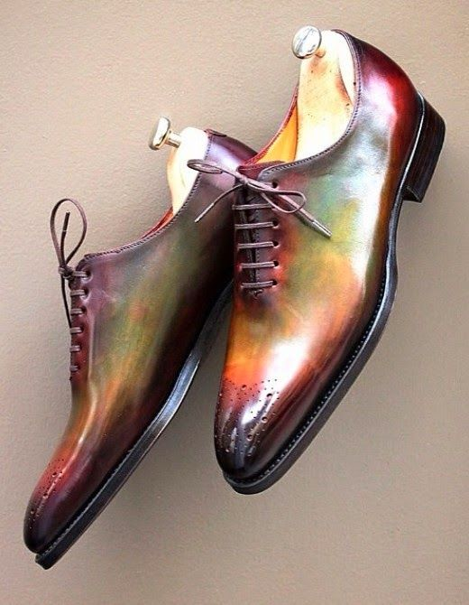 eleganza & stile, per uomini: Septieme Largeur. Brogue with green special patina.